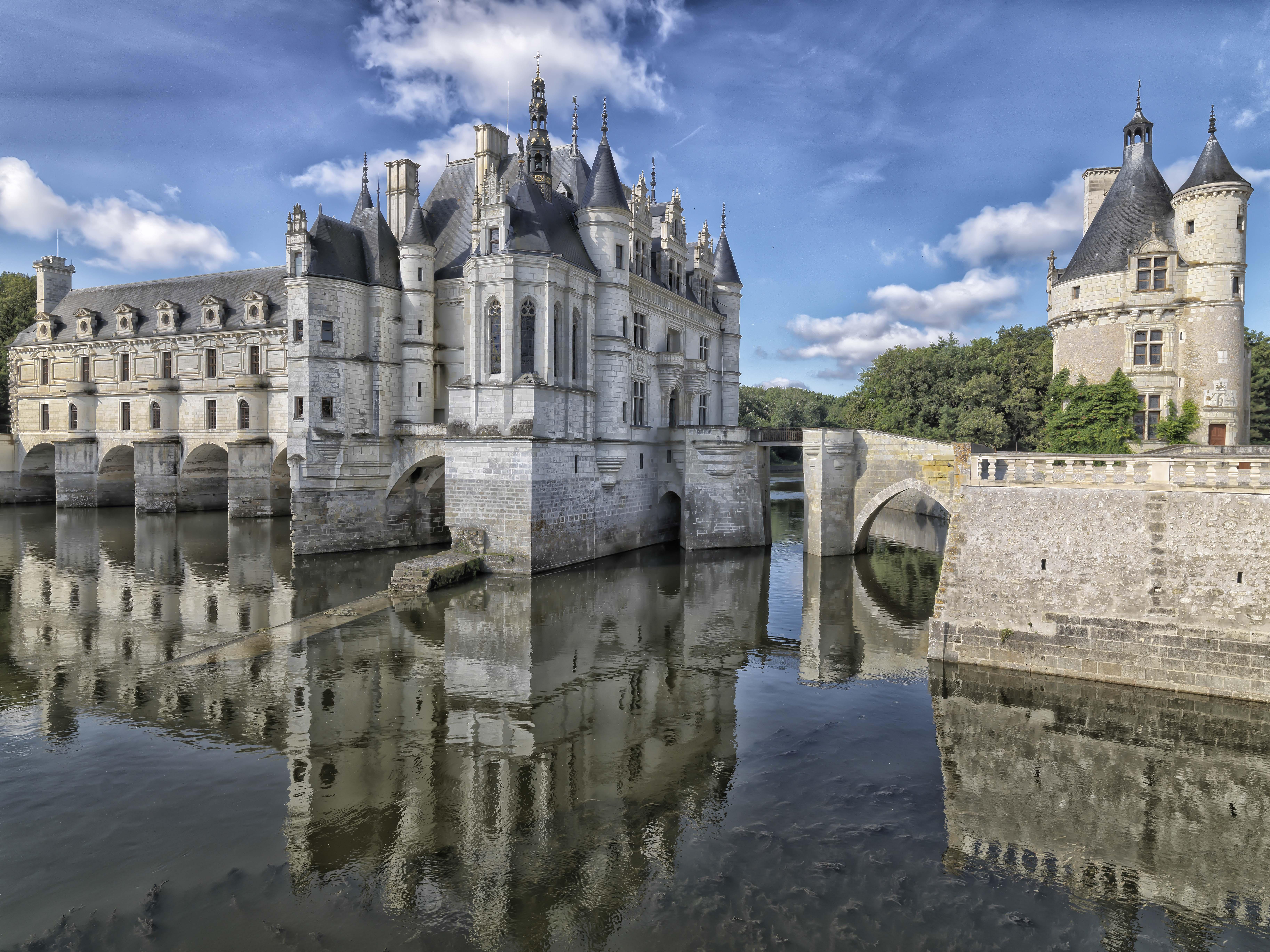 Impresionantes castillos alrededor del mundo - hotbook-10