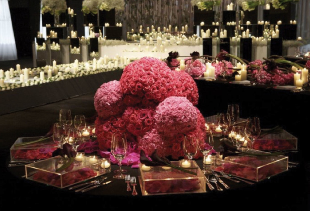 http://www.onewed.com/photos/show/wedding-flower-inspiration-the-jeff-leatham-look-10