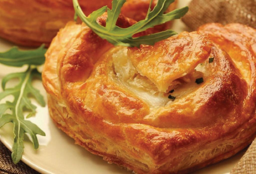 http://www.cuisineactuelle.fr/recettes/feuilletes-au-chevre-199915