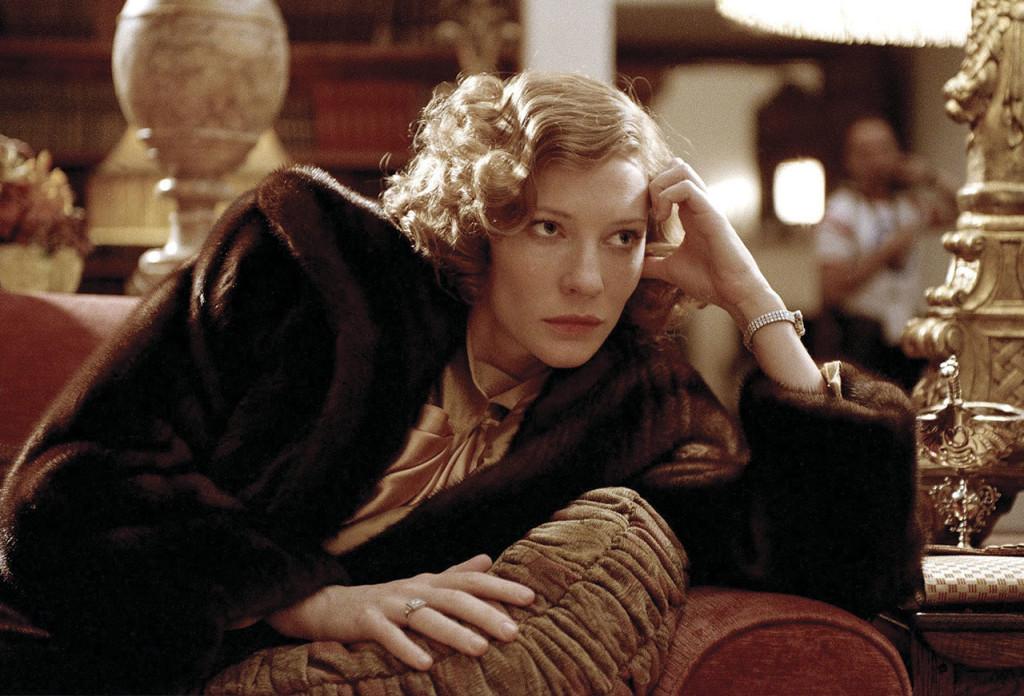 http://www.popsugar.com/entertainment/photo-gallery/13807414/image/13807467/Cate-Blanchett-Aviator
