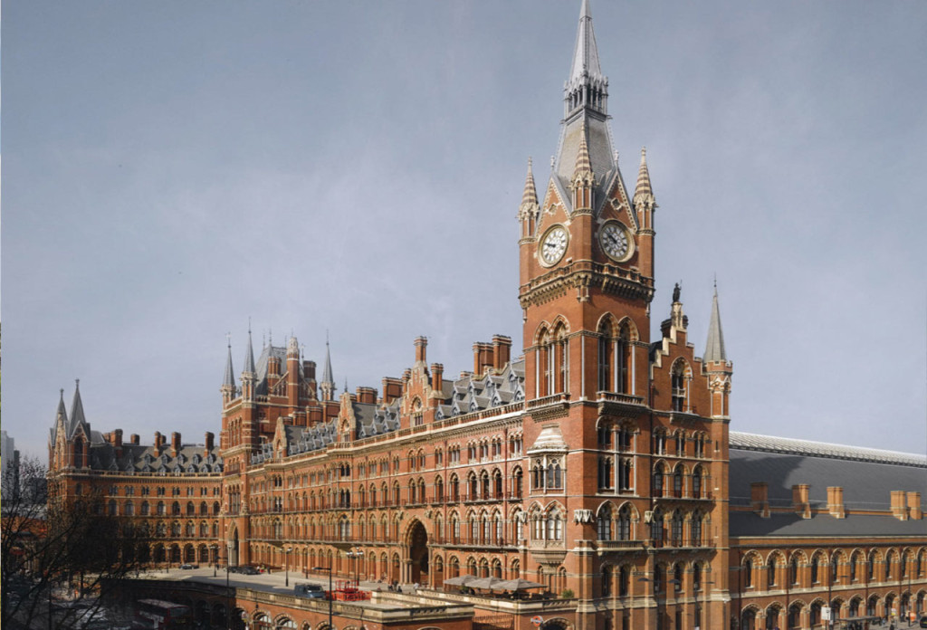 """href=""""http://www.thestar.com/life/travel/2011/06/24/a_victorian_beauty_reigns_in_london.html"""">http://www.thestar.com/life/travel/2011/06/24/a_victorian_beauty_reigns_in_london.html"""