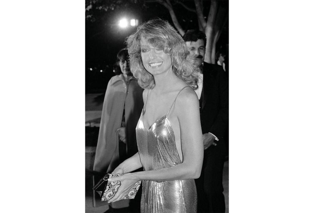 http://www.nydailynews.com/entertainment/best-oscar-dresses-time-gallery-1.1702679?pmSlide=1.1702997