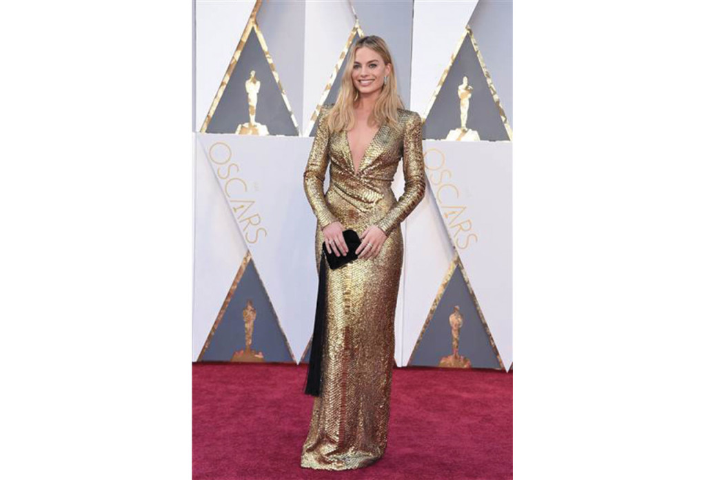 http://www.today.com/style/oscars-red-carpet-2016-see-best-dressed-celebrities-t75946