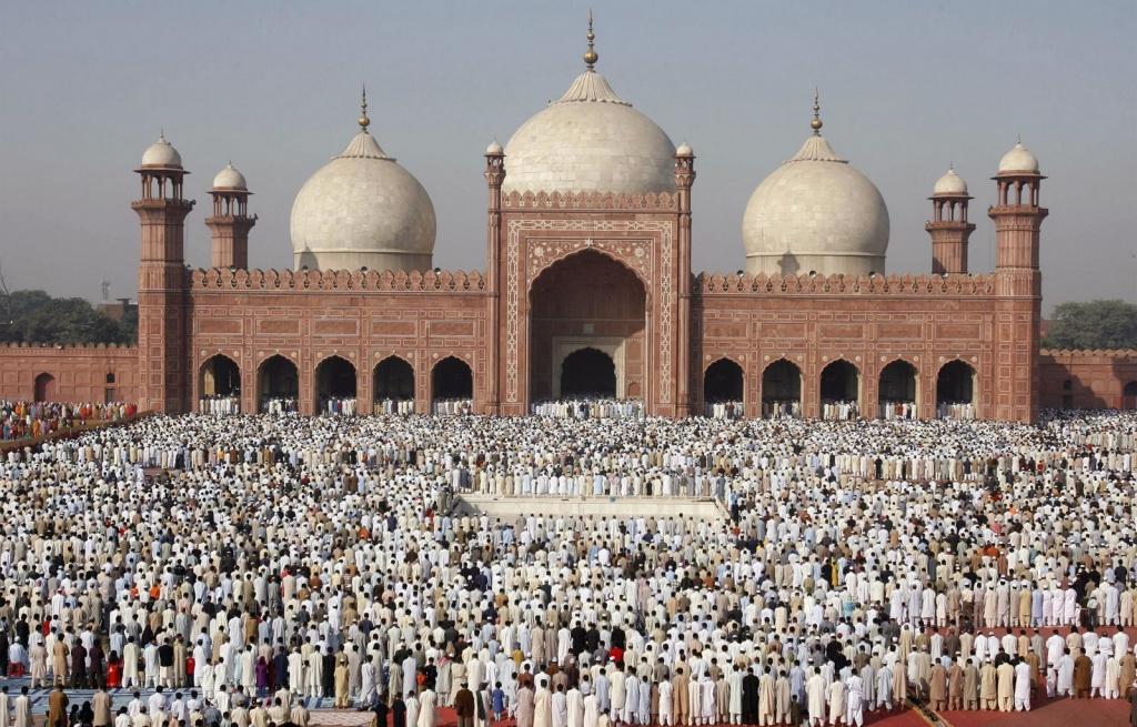 e2f09-ws_badshahi_mosque_1024x768