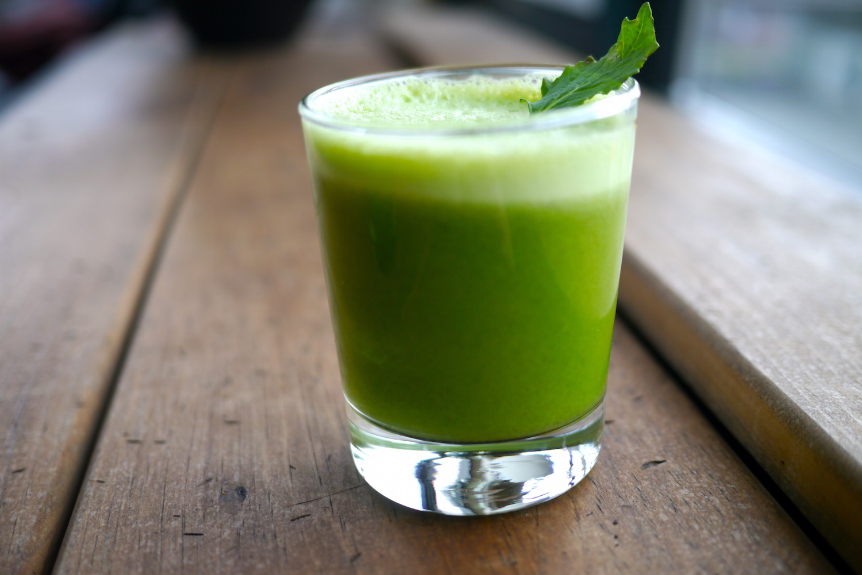 La importancia de hacer un detox - jugo-verde-8