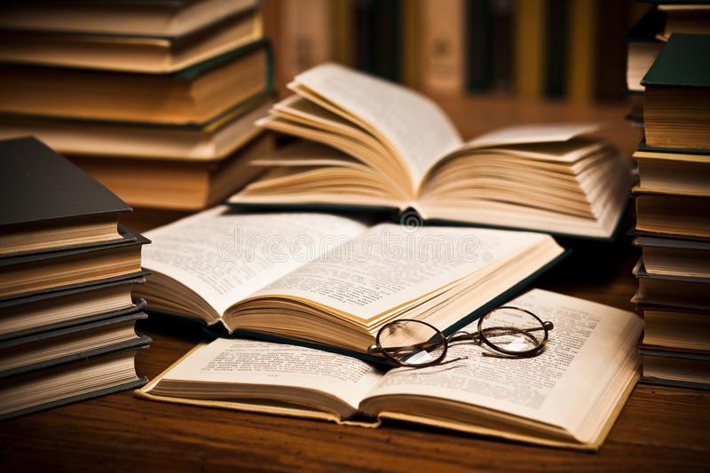Los mejores libros de misterio para leer durante este mes. - portada libros de misterio
