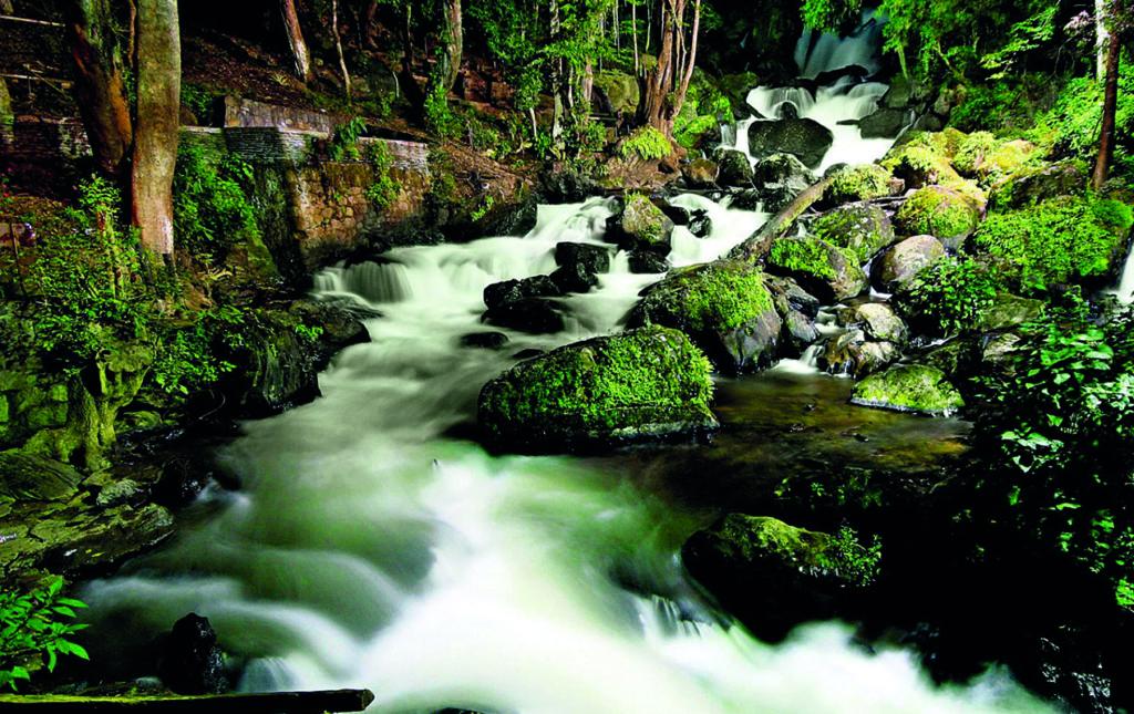 48 horas en Valle de Bravo - CASCADA VELO DE NOVIA-HIKING-AGUA-FLUYE-Foto cortesía visitmexico.com