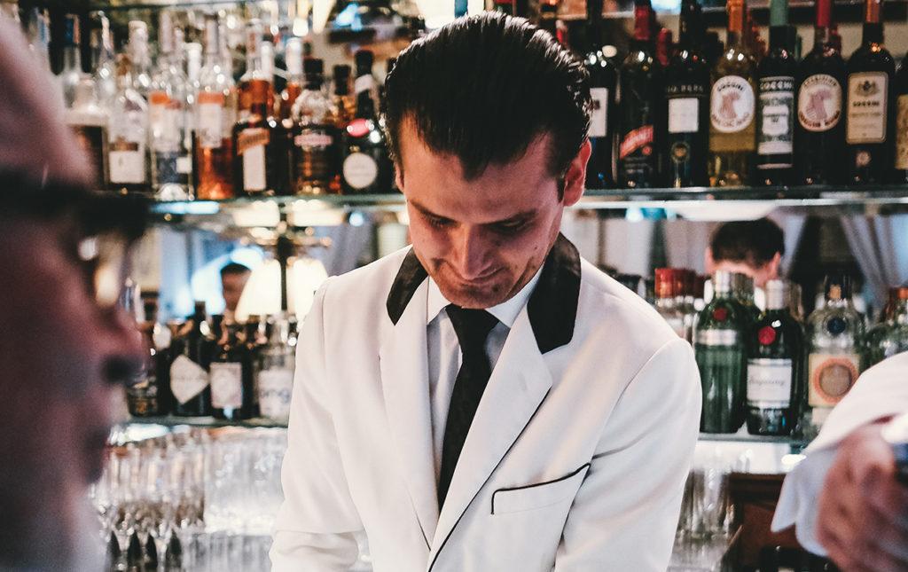 Erik Lorincz, uno de los bartenders más famosos del mundo - portada hot drink
