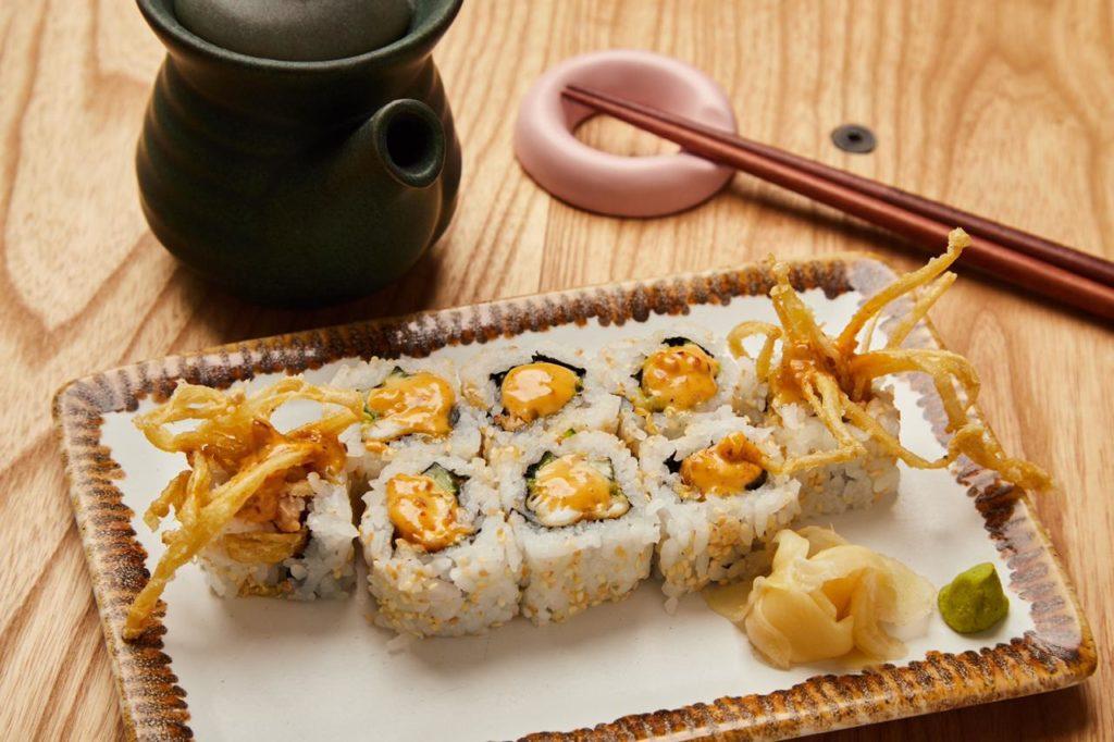 Rollos de sushi exóticos en la CDMX - HOTBOOK Rollos de sushi exóticos CDMX_Portada