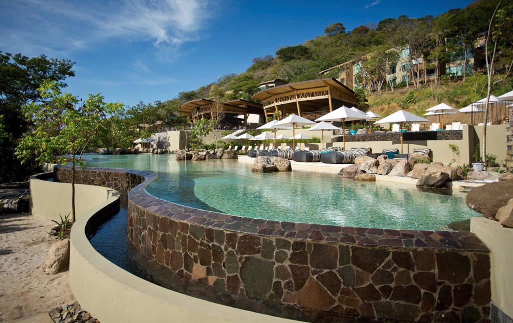Andaz Costa Rica Resort, hotelería de lujo en la Península Papagayo - PORTADA Andaz Costa Rica Resort alberca vacaciones