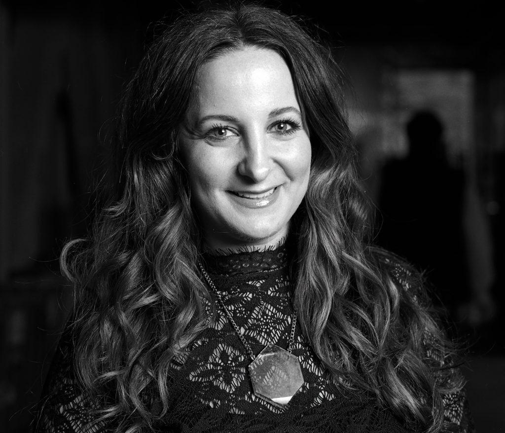 Entrevista con Carly Giglio, make-up artist de bareMinerals - entrevista makeup artist portada