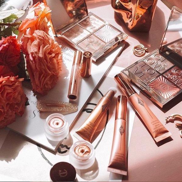 Los mejores beauty products para regalar esta Navidad - Charlotte Tilbury- portada