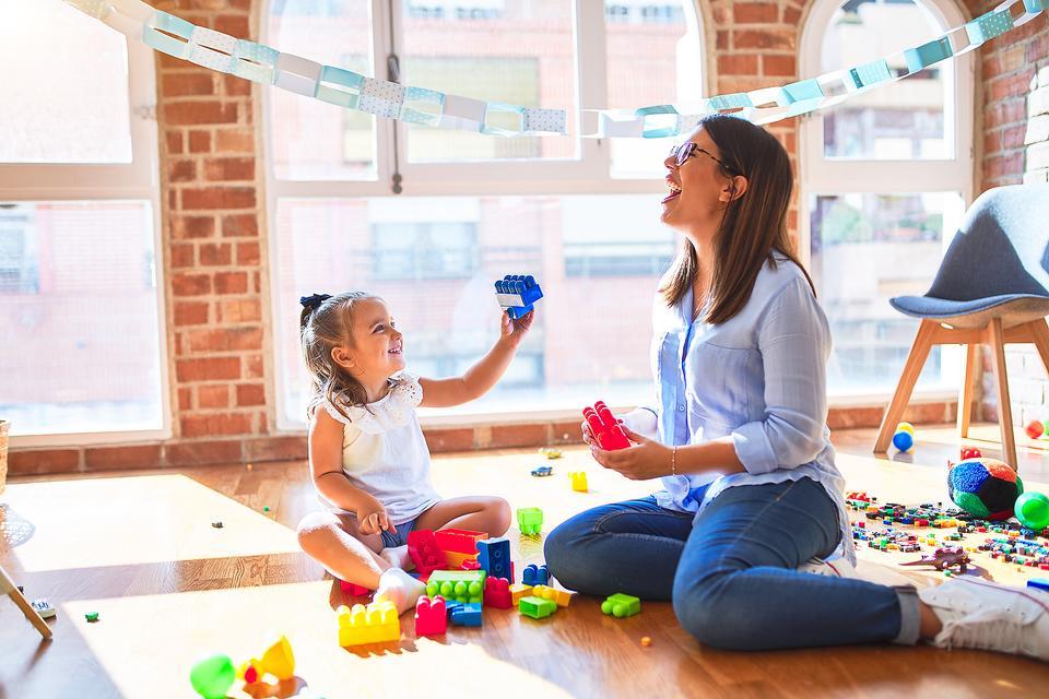 7 entretenidas actividades que puedes hacer con los pequeños del hogar - 7 entretenidas actividades para niños que puedes hacer en casa portada-