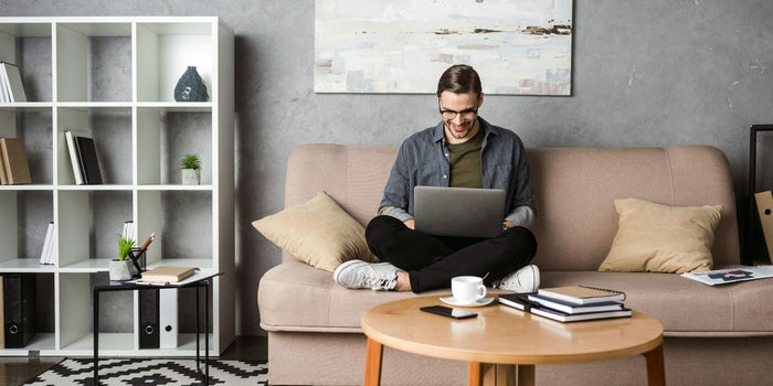 Los gadgets más cool para hacer home office - gadgets cool home office portada