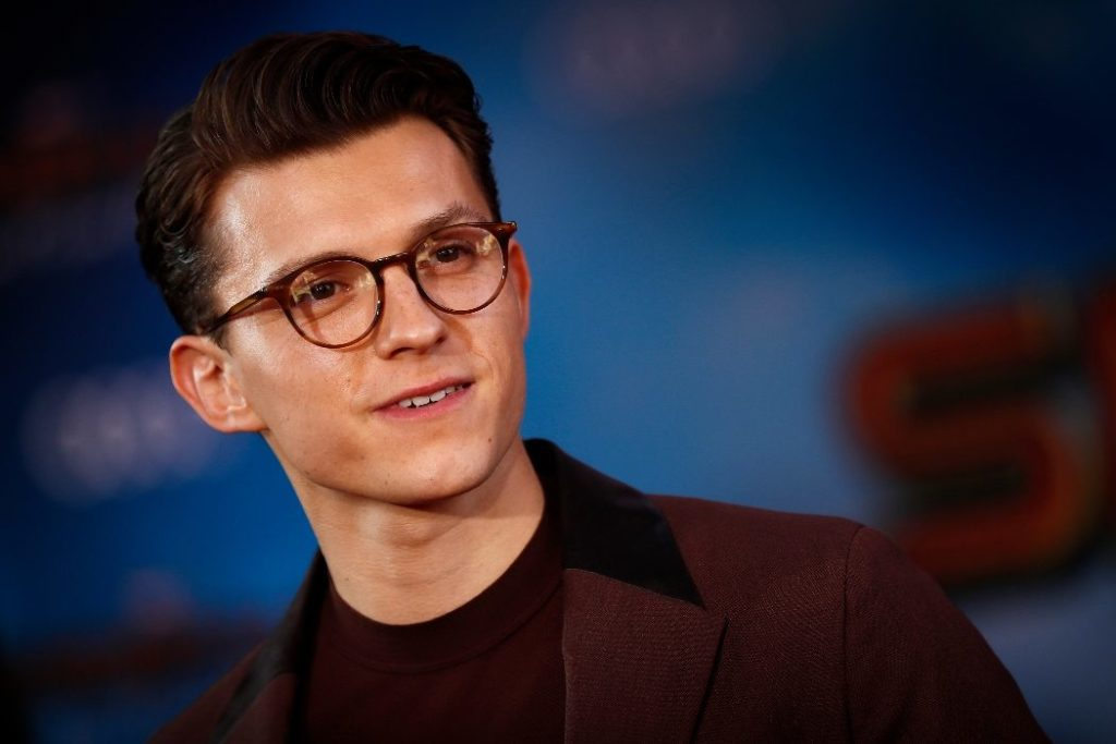 Datos curiosos de Tom Holland, la celebridad detrás de Spider-Man - Portada Curiosidades sobre Tom Holland la celebridad detrás de Spider Man google tom holland Robert pattinson viajes verano Hollywood los angeles google