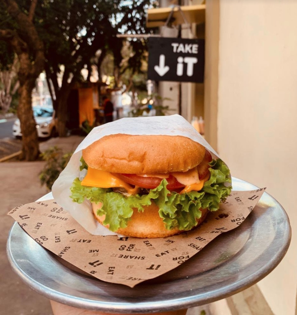It Burgers: fast food made well - Portada It Burgers Fast food done well comida rapida hamburguesas malteadas shake fries sweet potatoe fries gourmet google zoom Instagram tiktok rappi uber eats