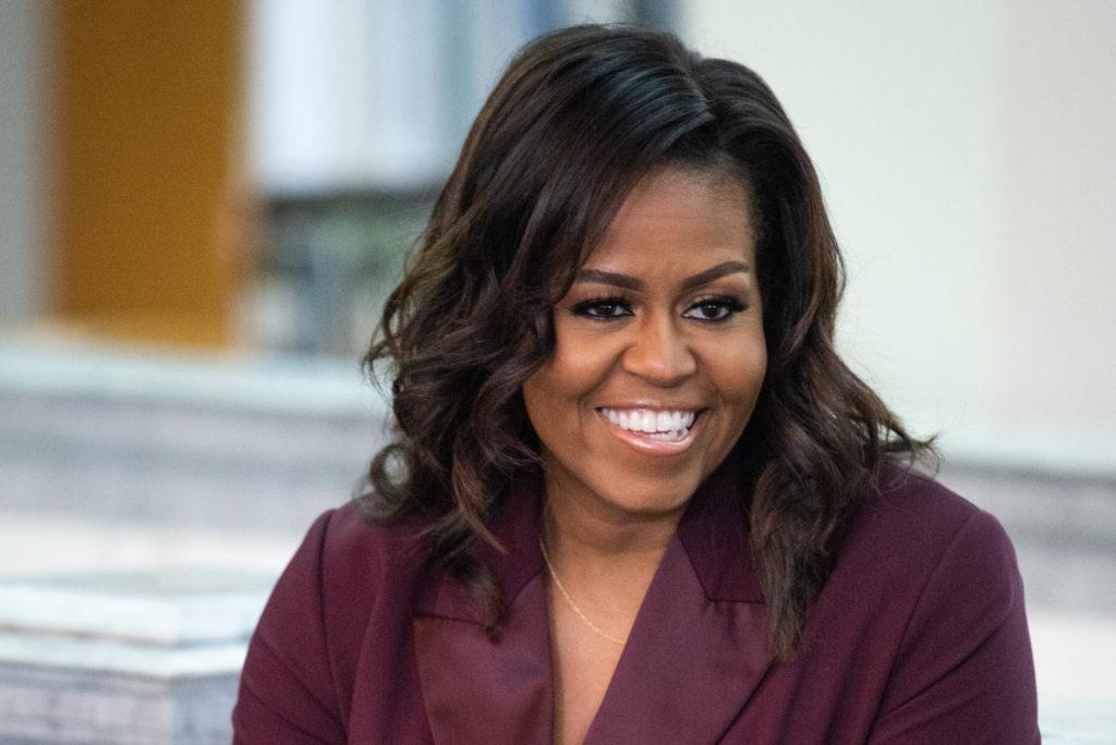 Todo lo que tienes que saber sobre el nuevo podcast de Michelle Obama - Portada Todo lo que tienes que saber sobre el nuevo podcast de Michelle Obama the Michelle Obama podcast google coronavirus covid vacuna google online