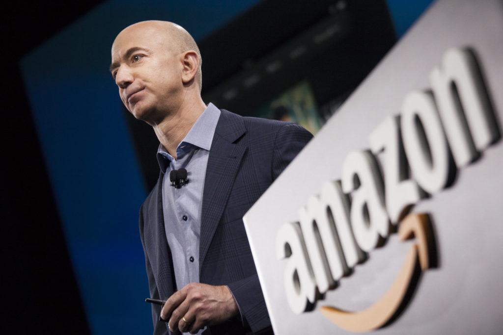 Jeff Bezos, el primer hombre en alcanzar una fortuna de 200 000 millones de dólares - Jeff Bezos 200 Billion Amazon covid coronavirus Messi Ronaldo Hurricane Katrina portada