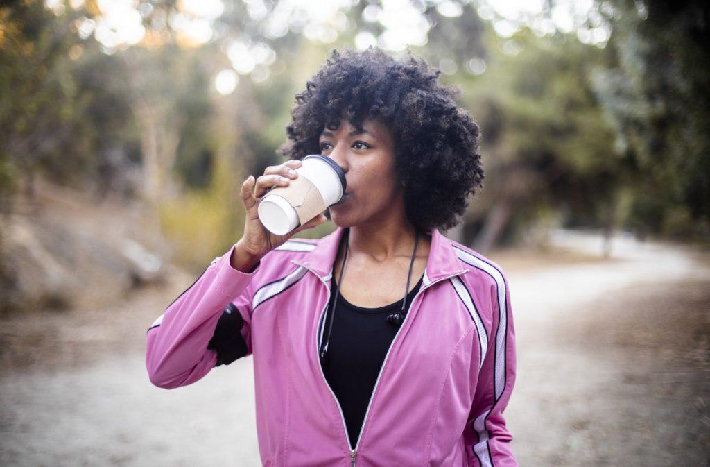 5 beneficios de tomar café antes de hacer ejercicio - portada But first coffee. 5 beneficios de tomar café pre workout