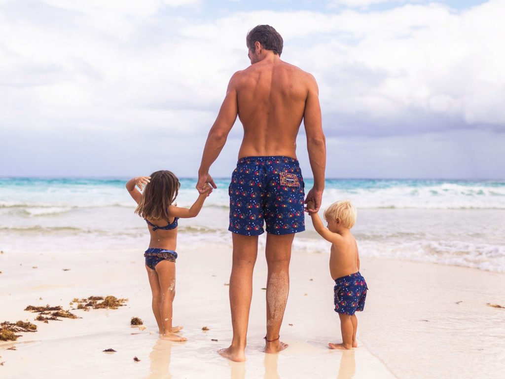 Let's go to the beach! Protege tu piel del sol con Aramare Swimwear, un producto con causa - Lets go to the beach! Aramare Swimwear, un producto con causa Portada
