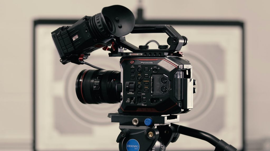 La evolución del cine a través de las décadas por el Autocinema Cinemex Platino presentado por AT&T - sharegrid-cLGoReQXYN0-unsplash
