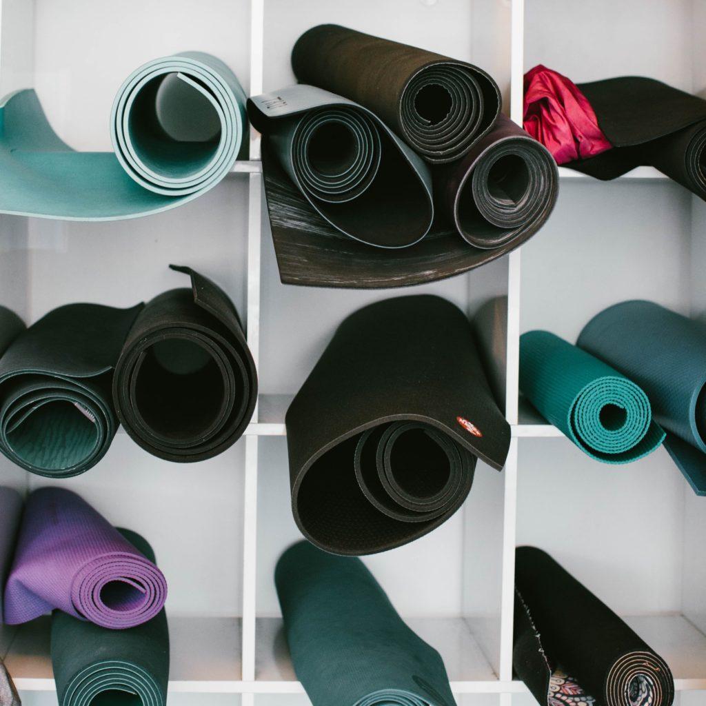 Los mejores tapetes para hacer ejercicio 2020 - Los mejores tapetes para hacer ejercicio del 2020 portada