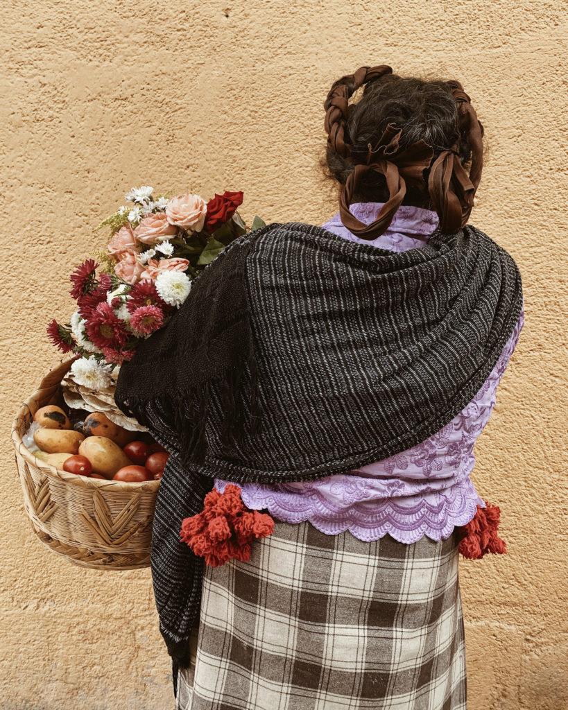 Un Abrazo de Raíz: Luvia Lazo a través de la fotografía te sumerge a la cultura mexicana de la mano de Lincoln. - Ana_____1